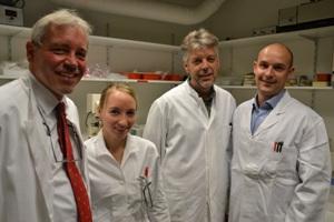 Профессор Томас Бош (Thomas Bosch) со своей группой – Анной-Марей Бём (Anna Marei Böhm), Йоргом Виттлибом (Jörg Wittlieb) и доктором Константином Халтуриным. (Konstantin Khalturin).